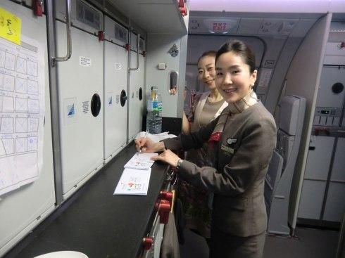 crew-signing-to-Narita